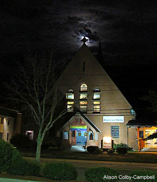 img_6581-haverhill-uu-church-at-night
