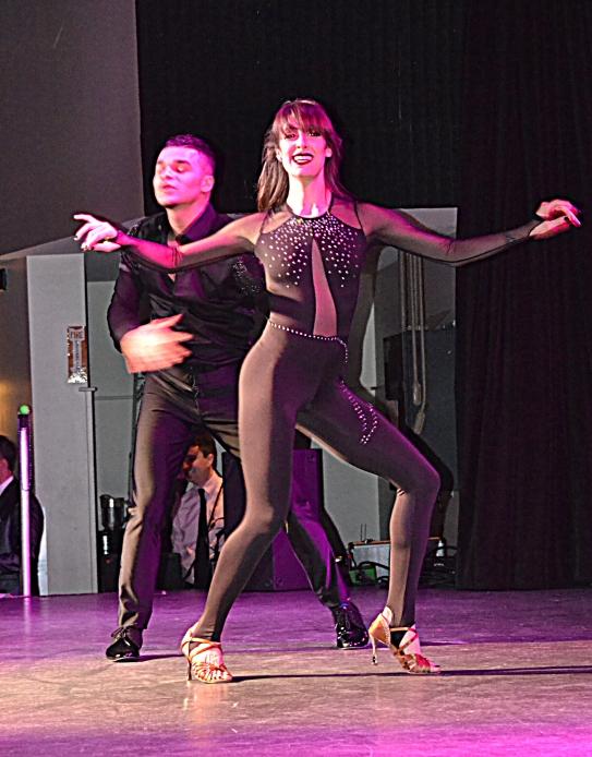 Dance professionals showcase