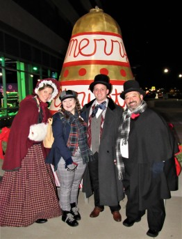IMG_7317 (2) HAV (c)Alison Colby-Campbell GHCC 2018 CHristmas Stroll Carolers and Bell