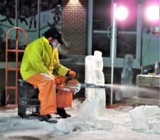 IMG_7335 (2) HAV (c)Alison Colby-Campbell GHCC 2018 CHristmas Stroll ice sculptors
