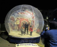 IMG_7365 (2) HAV (c)Alison Colby-Campbell GHCC 2018 CHristmas Stroll Snow globe