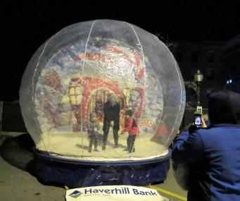 IMG_7365 (2) HAV (c)Alison Colby-Campbell GHCC 2018 CHristmas Stroll Snow globe